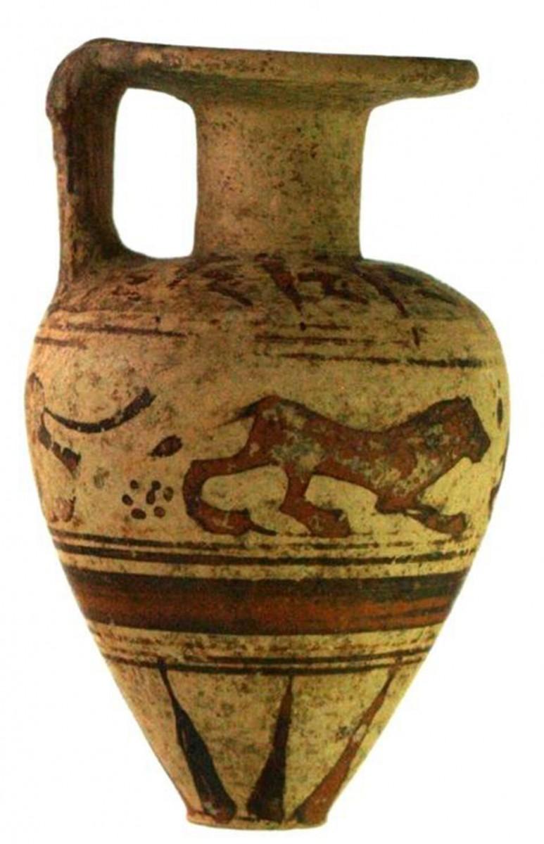 Πλάσι Μαραθώνα: μικρός πήλινος αρύβαλλος από την περιοχή του περιβόλου του αρχαϊκού ιερού (φωτ. ΕΚΠΑ).