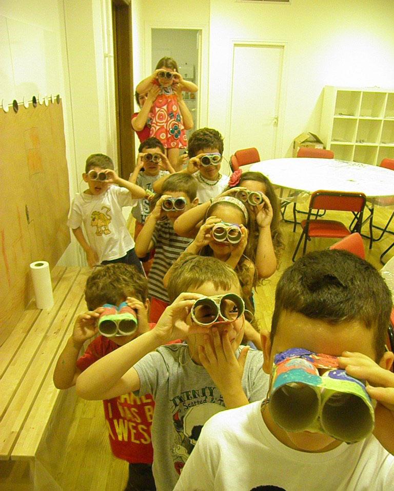 Τα παιδιά ανακαλύπτουν τα 4 στοιχεία της φύσης στο Mουσείο Κυκλαδικής Τέχνης.
