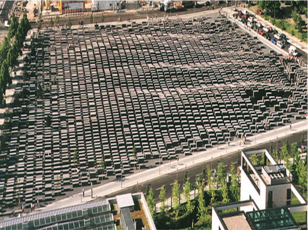 Εικ. 21. Memorial to the Murdered Jews of Europe, αρχιτέκτων Peter Eisenmann, Βερολίνο 2005.