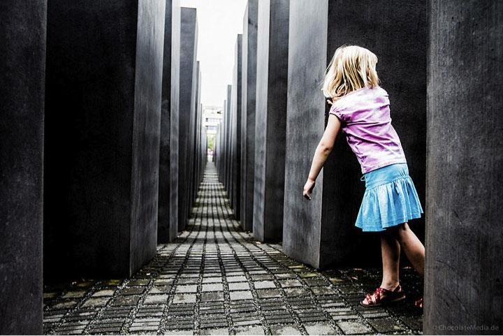 Εικ. 22. Memorial to the Murdered Jews of Europe, αρχιτέκτων Peter Eisenmann, Βερολίνο 2005.