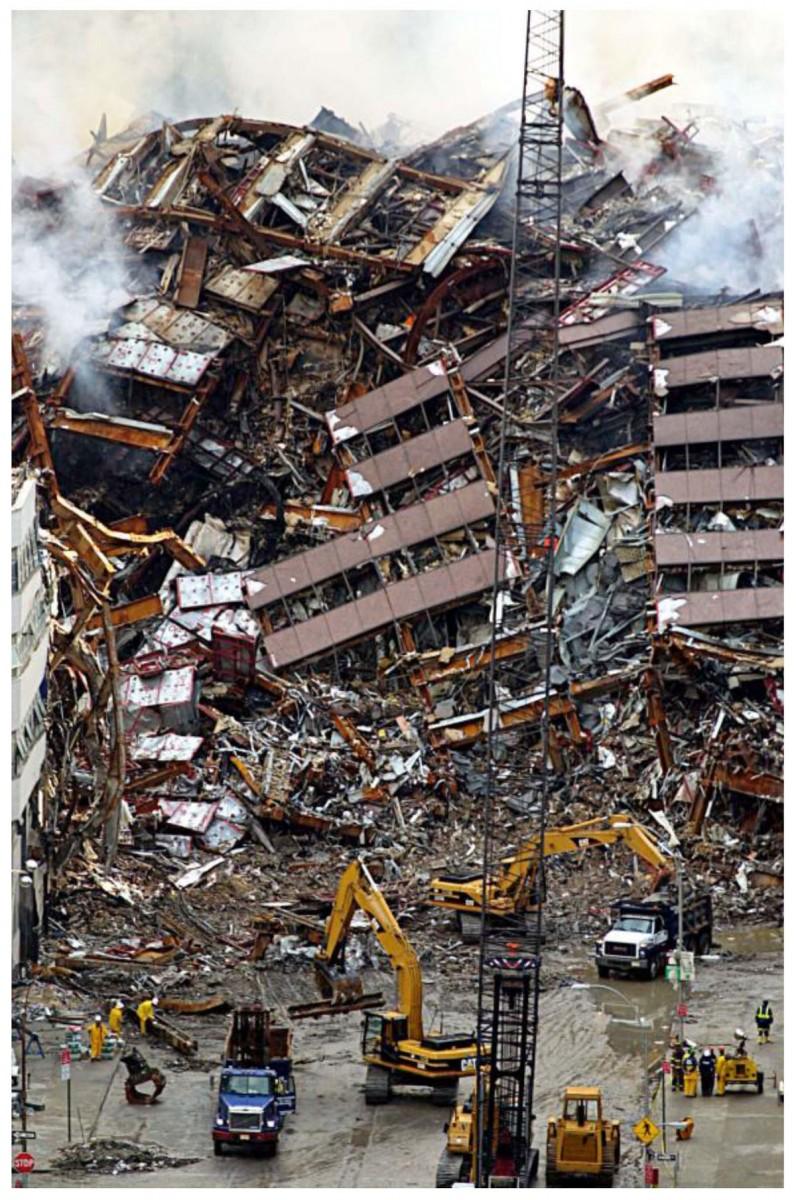Εικ. 6. The National September 11 Memorial Museum, το ερείπιο αμέσως μετά το συμβάν, Νέα Υόρκη 2001.