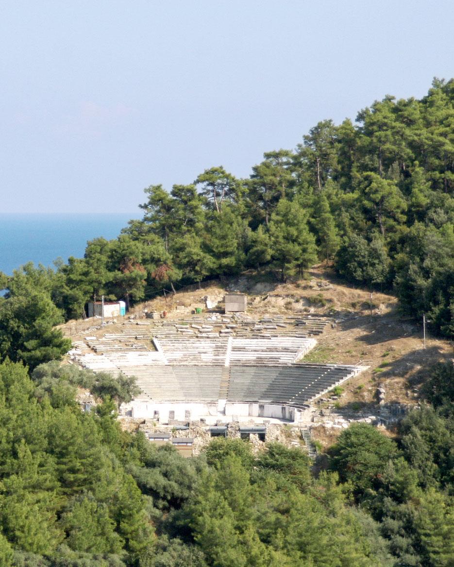 Tο αρχαίο θέατρο της Θάσου (φωτ. ΑΠΕ-ΜΠΕ).
