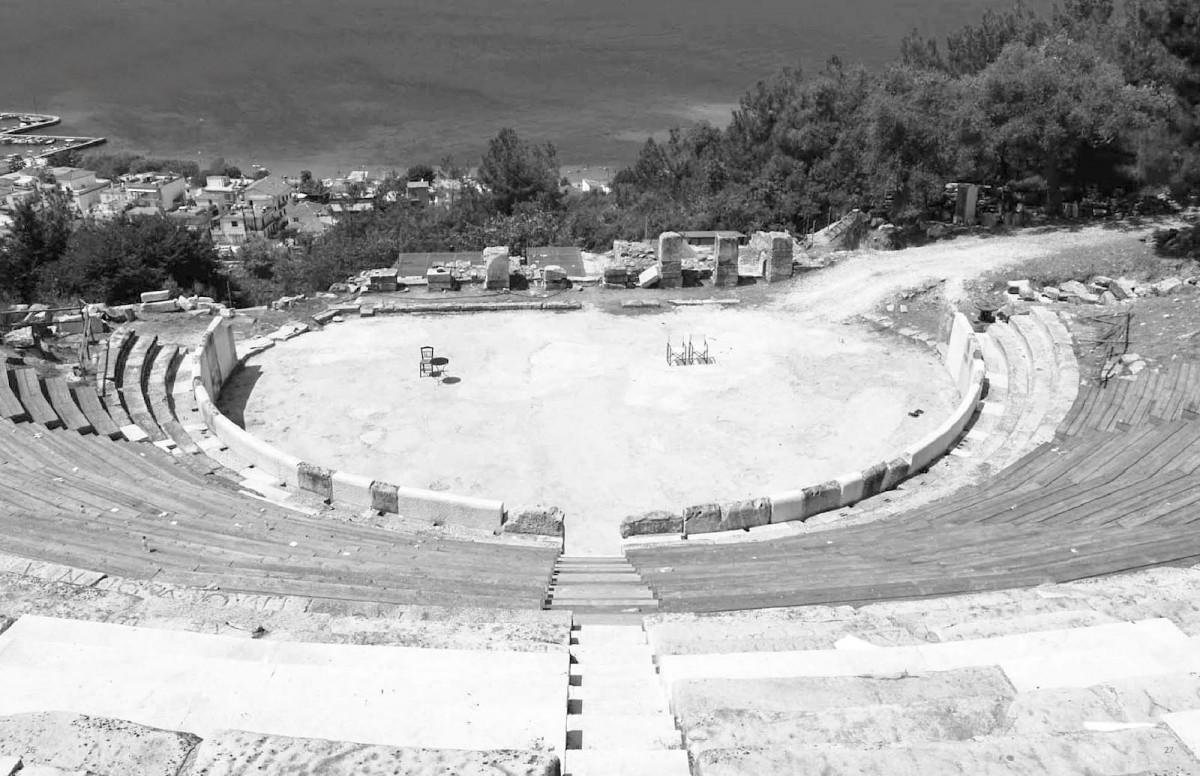 Tο αρχαίο θέατρο της Θάσου, στην πρωτεύουσα του νησιού, τον Λιμένα (φωτ. ΑΠΕ-ΜΠΕ).
