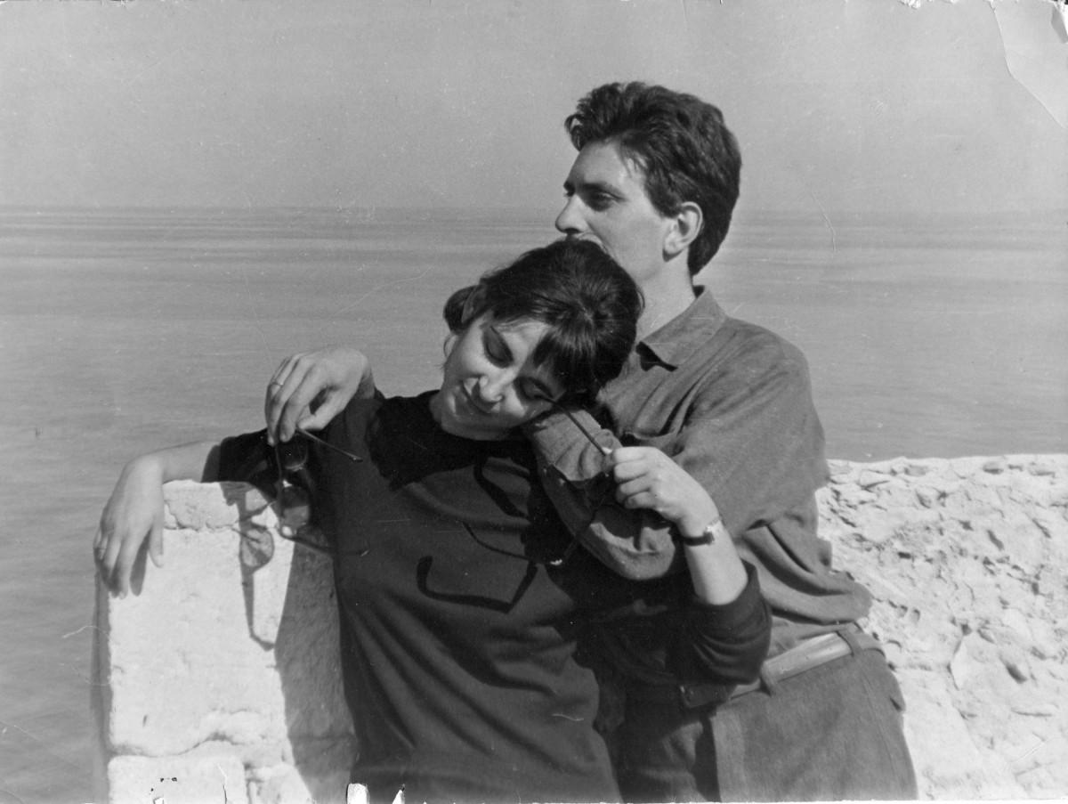 Εικ. 8. Το ζεύγος Σακελλαράκη στο Ρέθυμνο, 1965 (φωτ.: Κ. Δαβάρας).