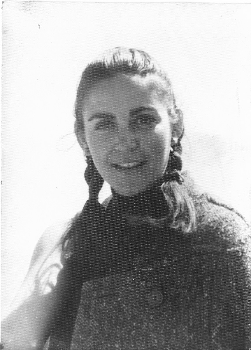 Εικ. 9. Έφη Σαπουνά-Σακελλαράκη, 1969. Περίοδος Ολυμπίας.