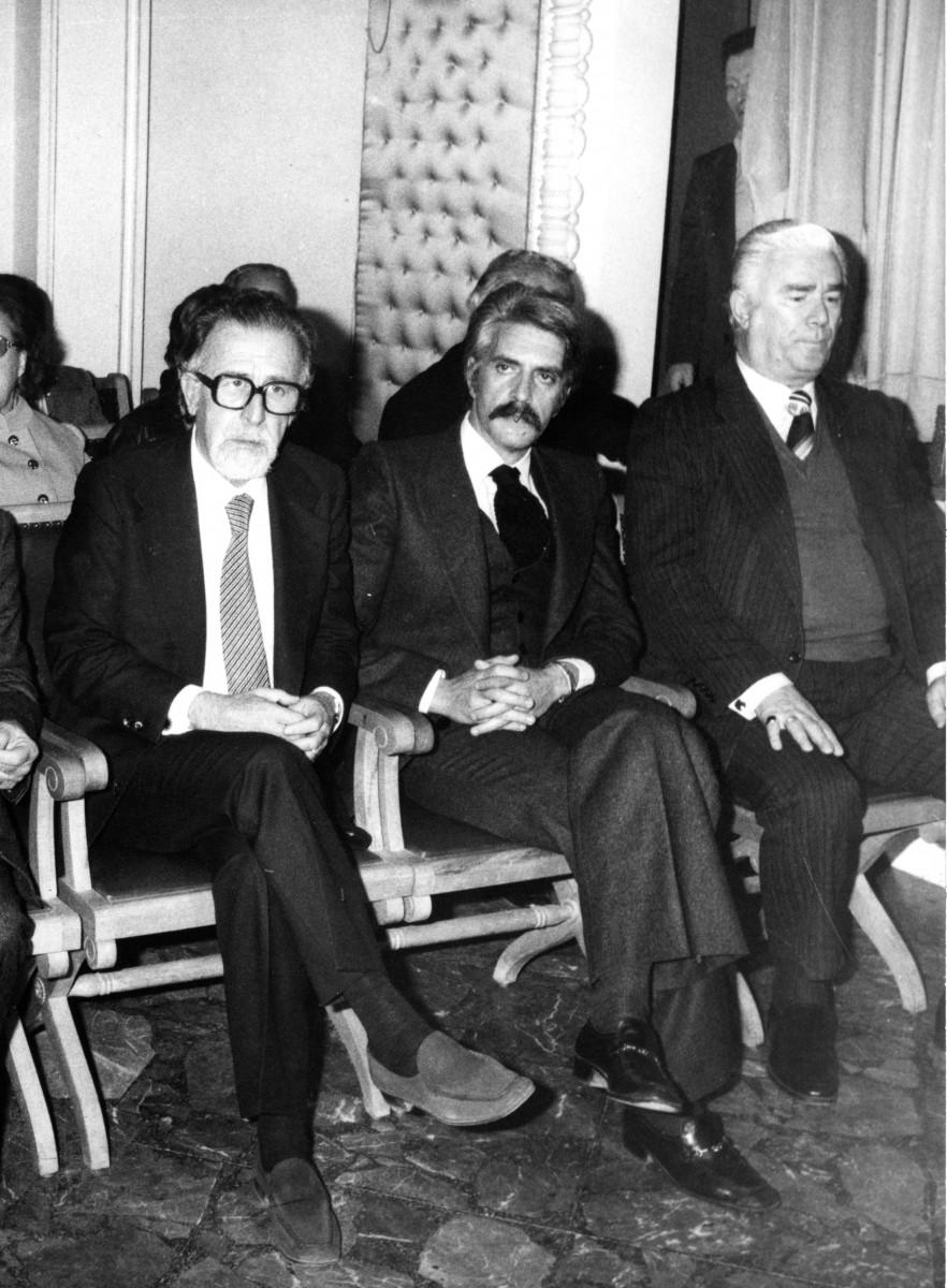 Εικ. 13. Ο Γιάννης Σακελλαράκης θα προλογίσει τον Μανόλη Ανδρόνικο στην «Εστία Νέας Σμύρνης».