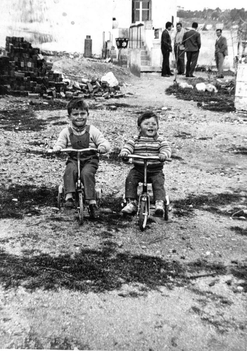 Εικ. 6. Τα χρόνια της αθωότητας.  Στο σπίτι Αυγής, 1959.
