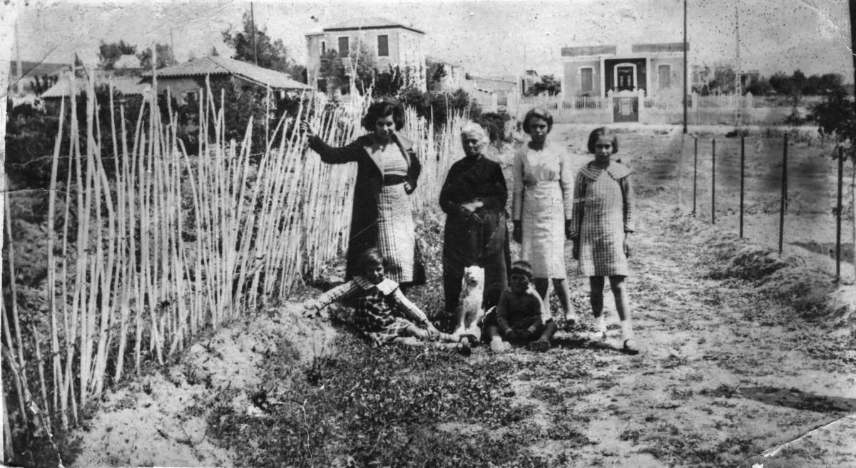 Εικ. 3. Η πόλη καθώς αλλάζει. Οικία Δούκα, Βενζινάδικο. Ηρακλείου, Δασκαλογιάννη, Χωμενίδη, περ. 1930.