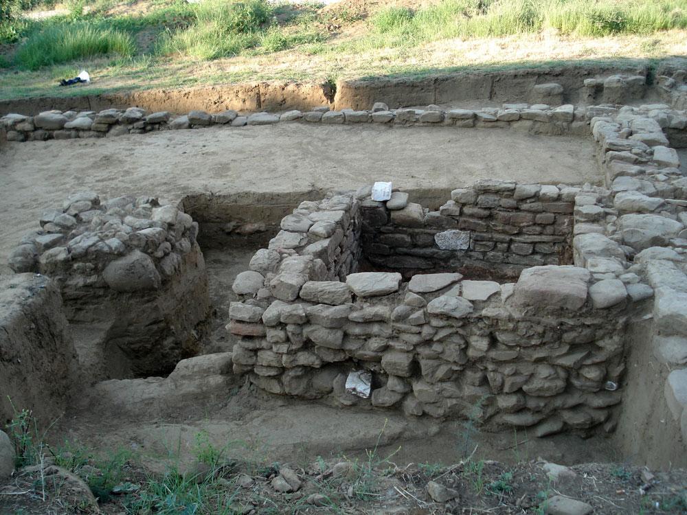 H ταύτιση ενός ληνού για τη γλευκοποίηση οίνου υποδηλώνει τον αγροτικό και μεταποιητικό χαρακτήρα των εγκαταστάσεων (φωτ. Εφορεία Αρχαιοτήτων Άρτας).