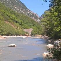 Ευρεία σύσκεψη για την αναστήλωση του γεφυριού της Πλάκας