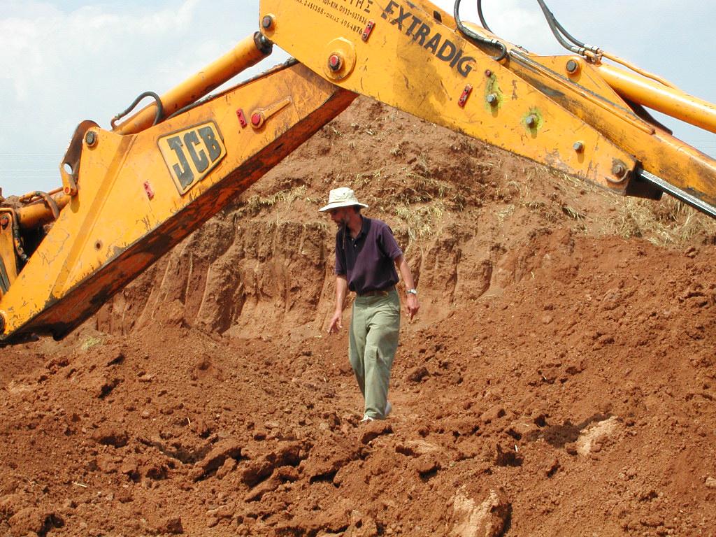 Σκάλα Ωρωπού. Προετοιμάζοντας την ανασκαφή του 2002.