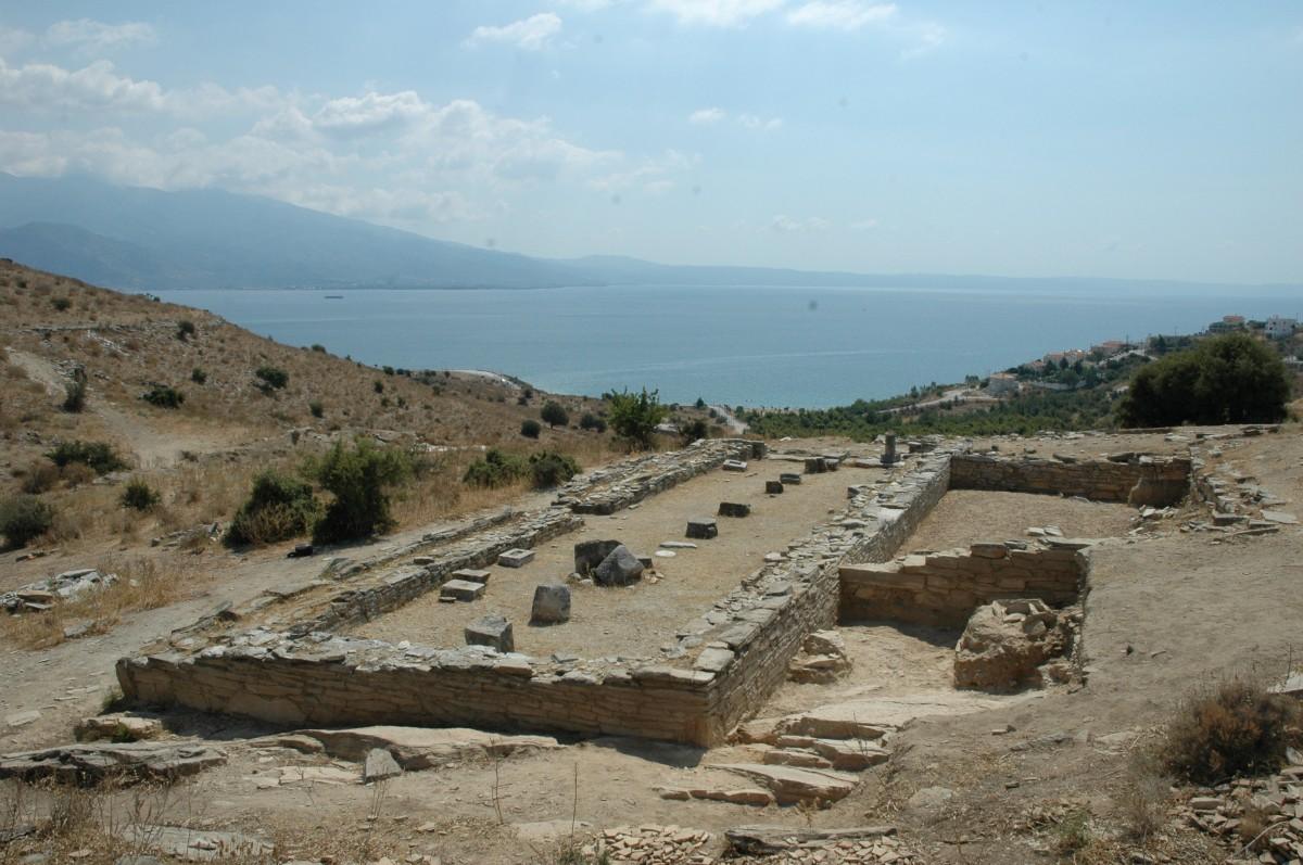 Σωρός Μαγνησίας. Άποψη του ναού του Απόλλωνος μετά το πέρας της ανασκαφής, 2008 (φωτ. Αλέξανδρος Μαζαράκης Αινιάν).