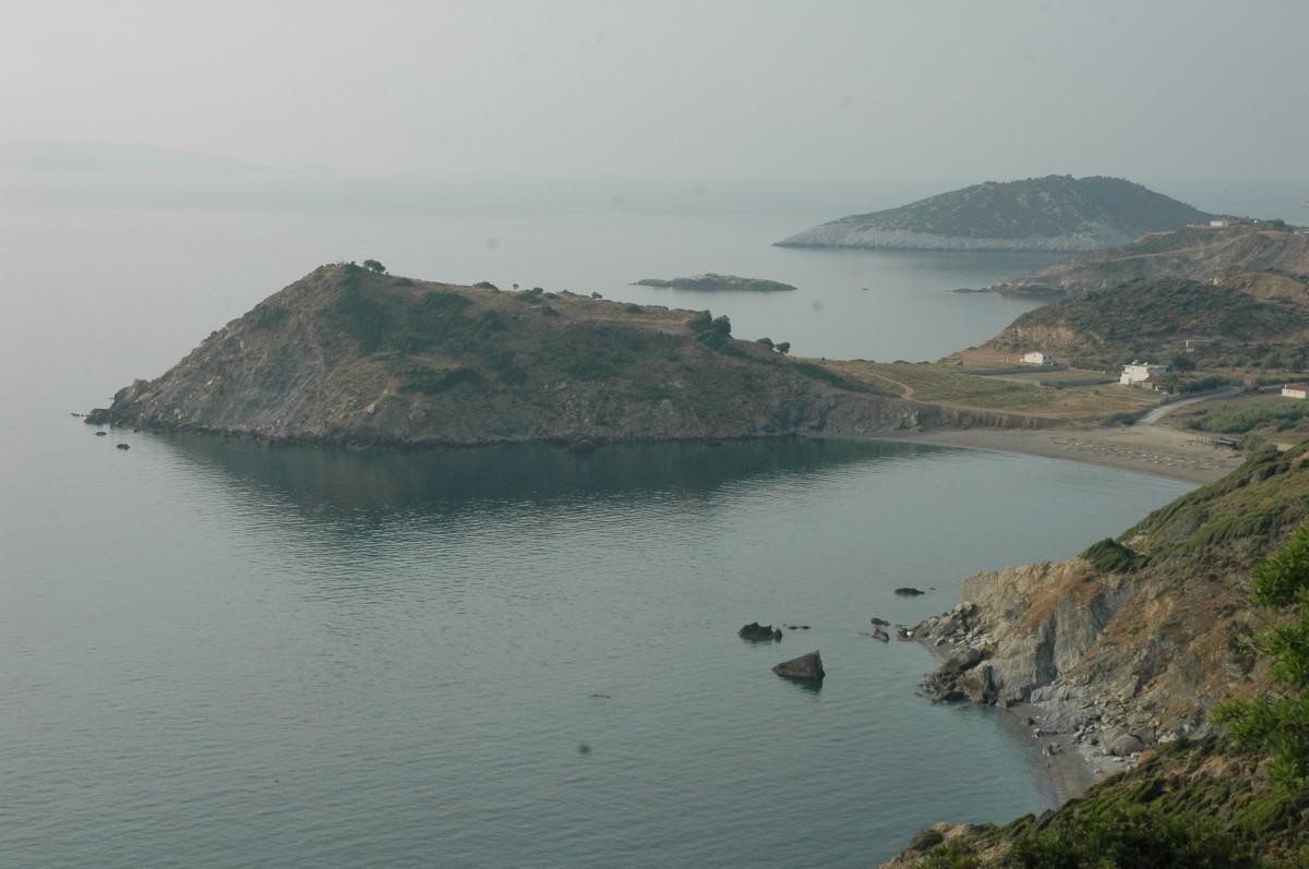 Σκιάθος. Άποψη του ακρωτηρίου της Κεφάλας στον όρμο του Ξάνεμου, 2009 (φωτ. Αλέξανδρος Μαζαράκης Αινιάν).