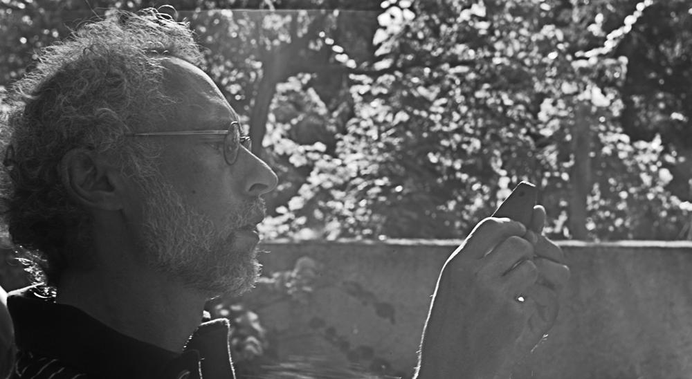 Ο Αλέξανδρος Μαζαράκης Αινιάν στην Κεφάλα Σκιάθου, 2010 (φωτ. Wiktor Roch Dobraczynski).