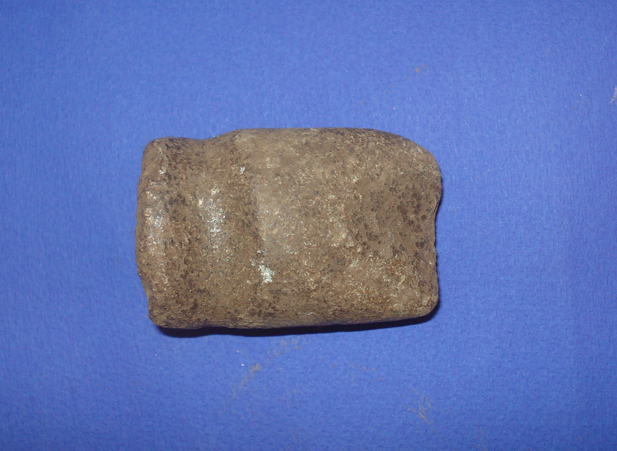 Αμμότοπος Άρτας: λίθινα εργαλεία από το εσωτερικό των κτιρίων (φωτ. Εφορεία Αρχαιοτήτων Άρτας).