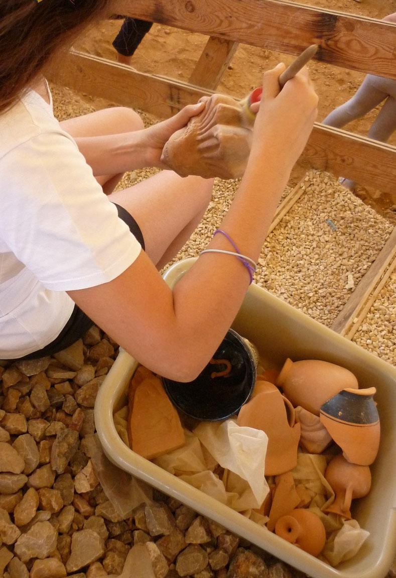 «Με σκουπάκι και μυστρί, ξεκινά η ανασκαφή!», εκπαιδευτικό πρόγραμμα στον «Ελληνικό Κόσμο».