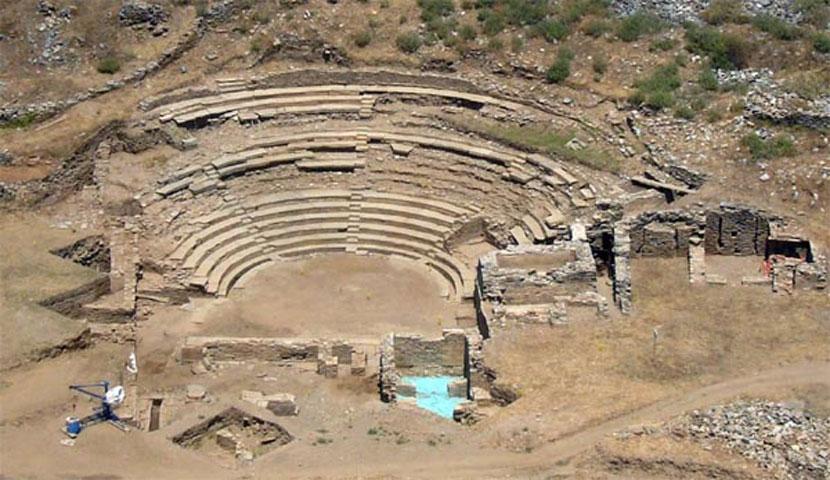 Το αρχαίο θέατρο της Καρθαίας Κέας (φωτ. «Διάζωμα»).