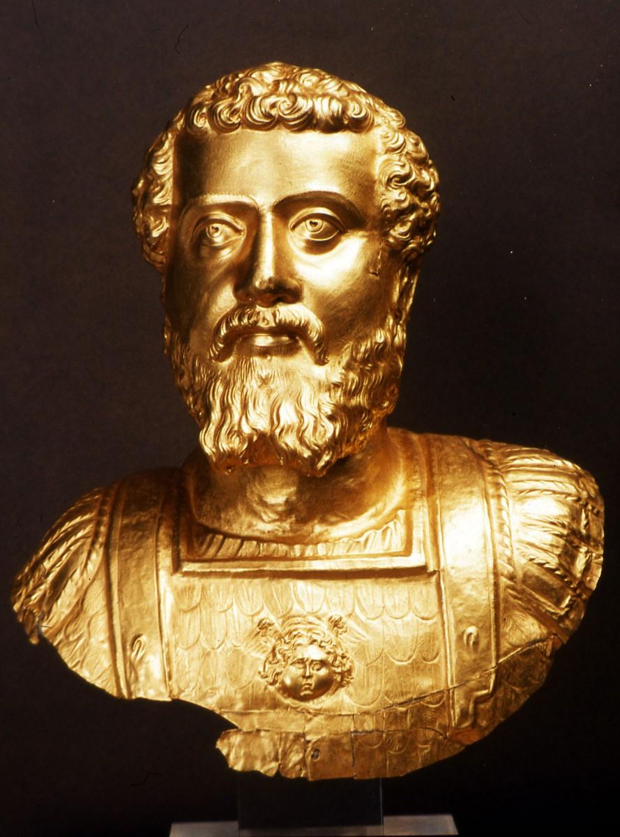 Εικ. 3. Χρυσή σφυρήλατη προτομή του Ρωμαίου αυτοκράτορα Σεπτίμιου Σεβήρου.