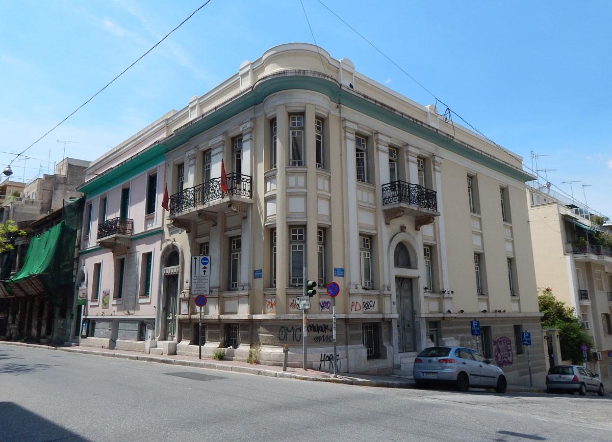 Κτήριο στη συμβολή των οδών Ιπποκράτους και Λασκάρεως, στη Νεάπολη (φωτ. MONUMENTA).