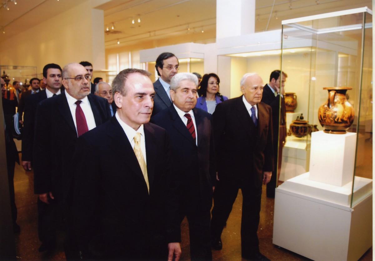 Στα εγκαίνια της Κυπριακής Συλλογής του Εθνικού Αρχαιολογικού Μουσείου, 2009.