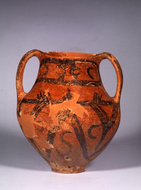 Αμφορέας με γραπτή διακόσμηση από το Πλάτωμα Ασπροβάλτας, Νεολιθική Εποχή.
