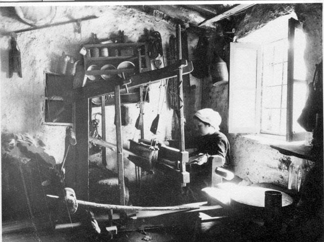 «Αργαλειοί και υφάντρες: η οικιακή τέχνη της υφαντικής» στο Ιστορικό-Λαογραφικό Μουσείο Κορίνθου.