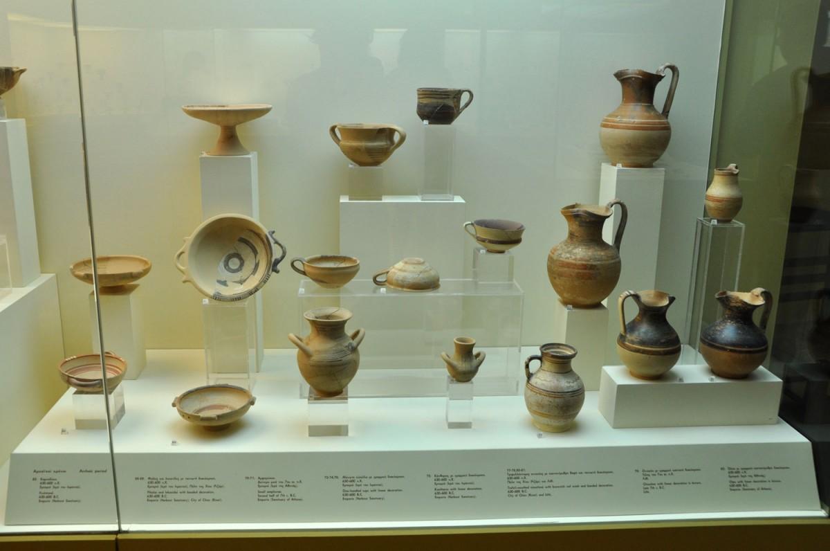 Εικ. 13. Αγγεία από το Ιερό του Λιμανιού και το ναό της Αθηνάς στο Εμποριό. 630-600 π.Χ.