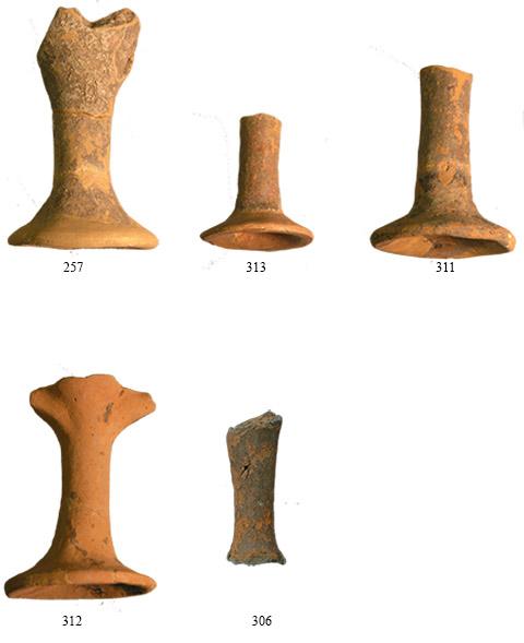 Εικ. 15. Δείγματα υψίποδων κυλίκων από την Κρύα. (Πηγή: αρχείο συγγραφέα)