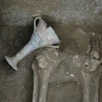 Τι αποκαλύπτουν οι μυκηναϊκοί τάφοι στην Ελάτη Κοζάνης;