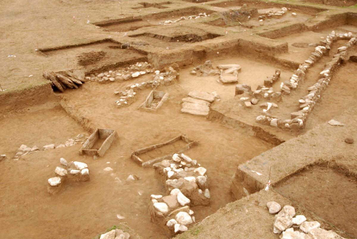 Νεκροταφείο της Ύστερης Εποχής του Χαλκού στην Ελάτη.