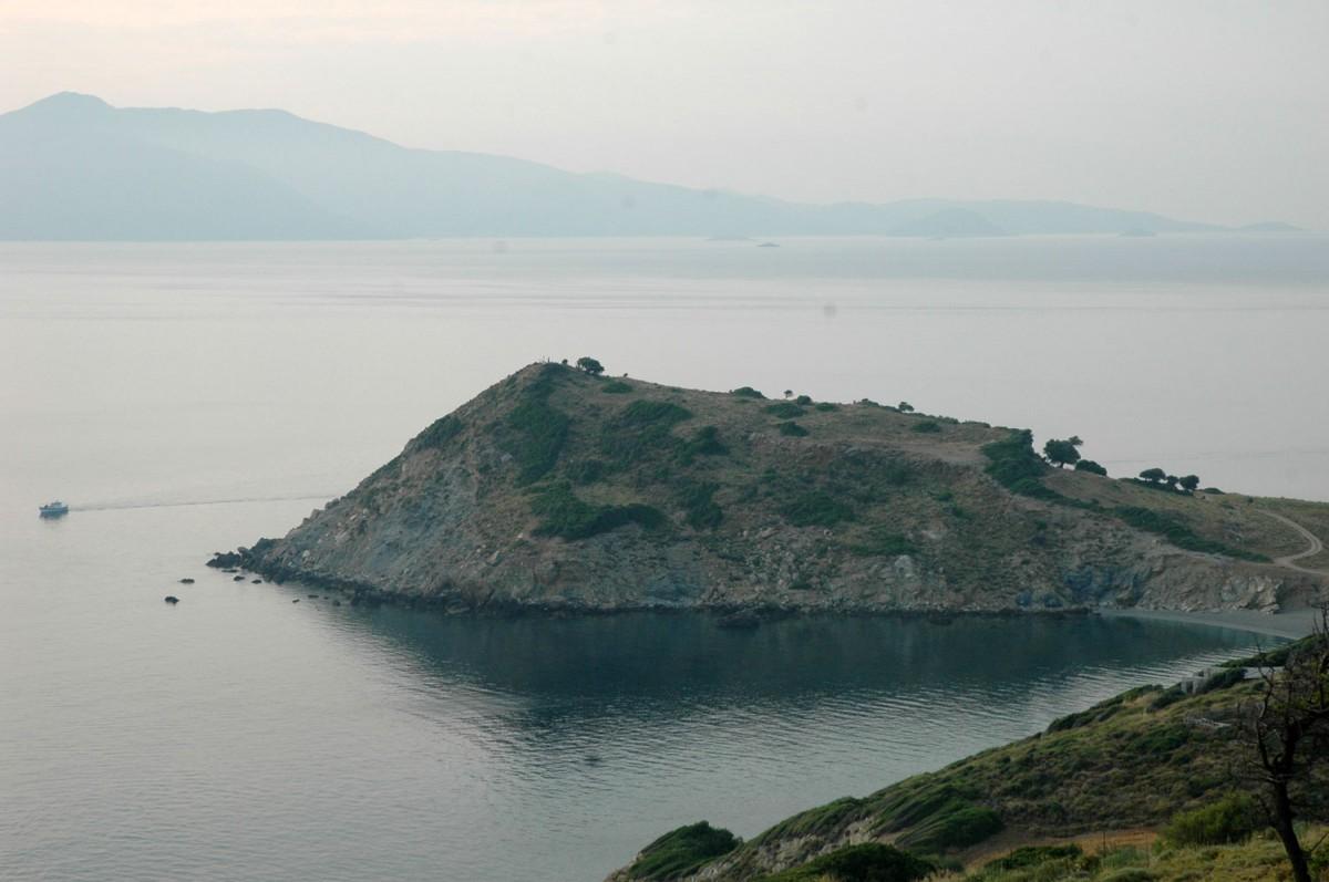 Εικ. 1. Άποψη της Κεφάλας (φωτ. Α. Μαζαράκης Αινιάν).