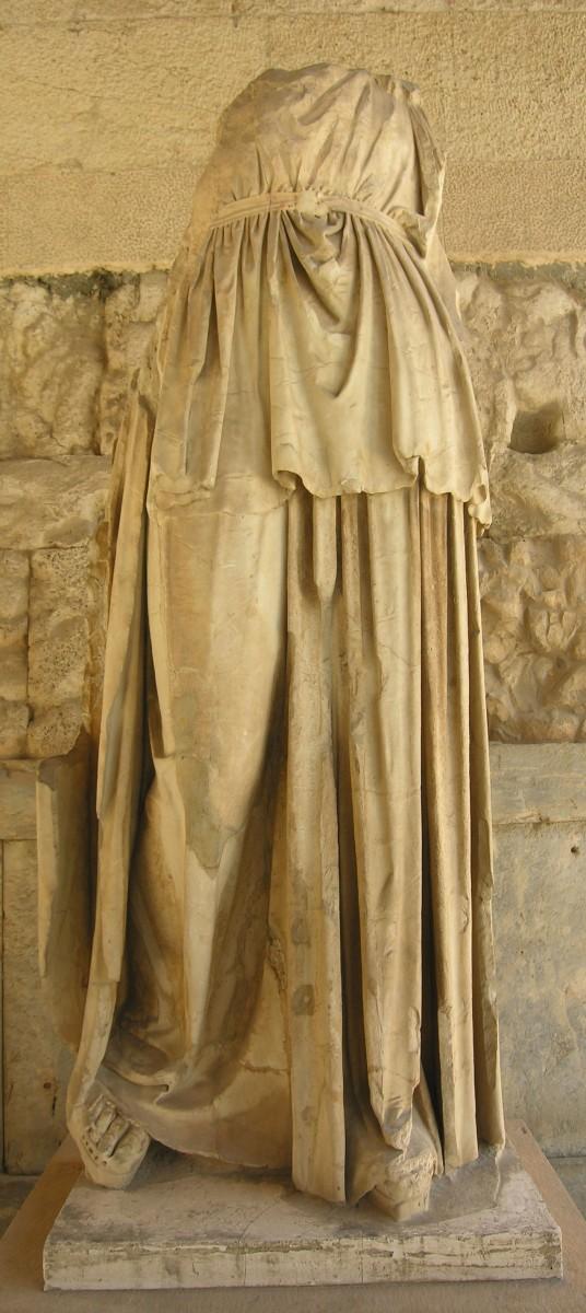 Εικ. 4. Απόλλων Πατρώος του Ευφράνορα. Αθήνα, Μουσείο της Αρχαίας Αγοράς.