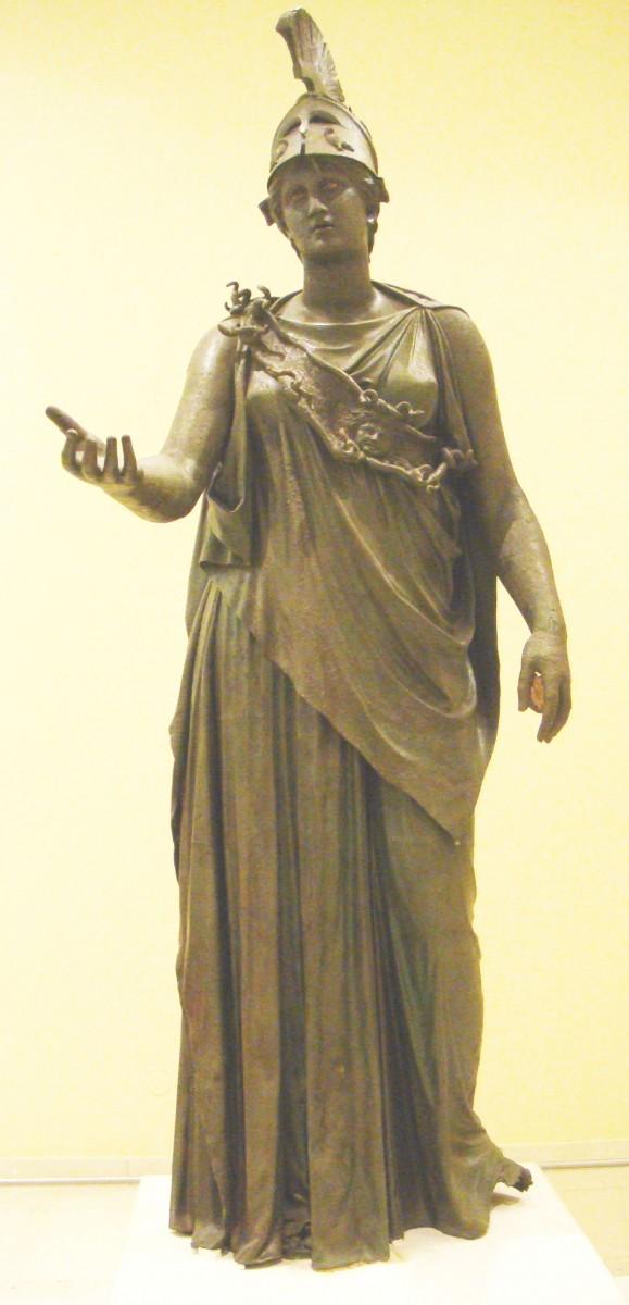 Εικ. 5. Αθηνά του Πειραιά. Αρχαιολογικό Μουσείο Πειραιά.