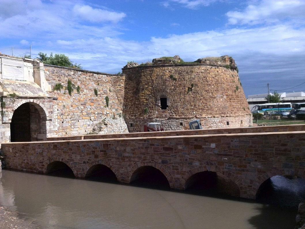 Εικ. 4. H είσοδος στο Κάστρο της Χίου.