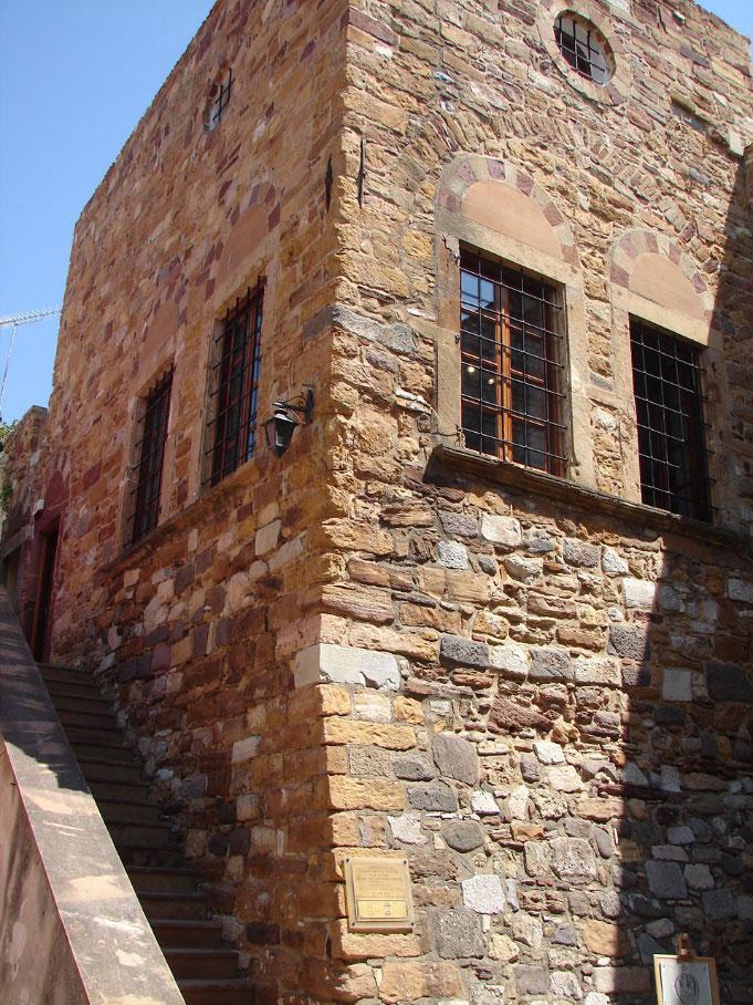 Εικ. 7. Το Παλατάκι Ιουστινιάνι αποτελούσε το Διοικητήριο του Φρουρίου.
