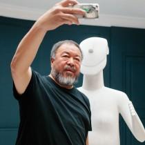 Ο Ai Weiwei στο Μουσείο Κυκλαδικής Τέχνης
