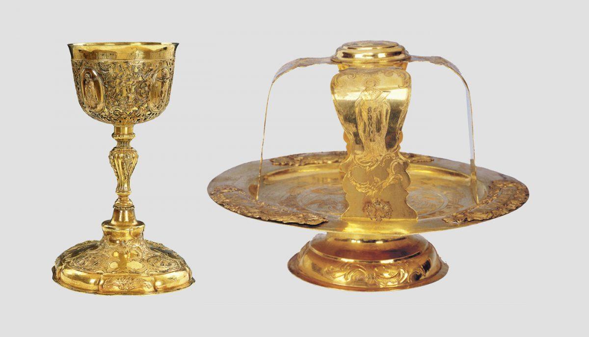 Λειτουργικά σκεύη από τον ναό της Αγίας Τριάδας στο Λιβόρνο (Ιταλία). Επιχρυσωμένος άργυρος, 18ος αι. Δωρεά της Αικατερίνης Β' της Ρωσίας στην ελληνική κοινότητα του Λιβόρνο. Βυζαντινό και Χριστιανικό Μουσείο, Αθήνα.