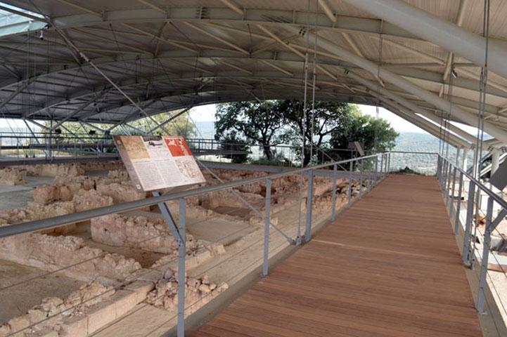 Το Ανάκτορο του Νέστορος είναι το καλύτερα διατηρημένο μυκηναϊκό ανάκτορο της ηπειρωτικής Ελλάδας.