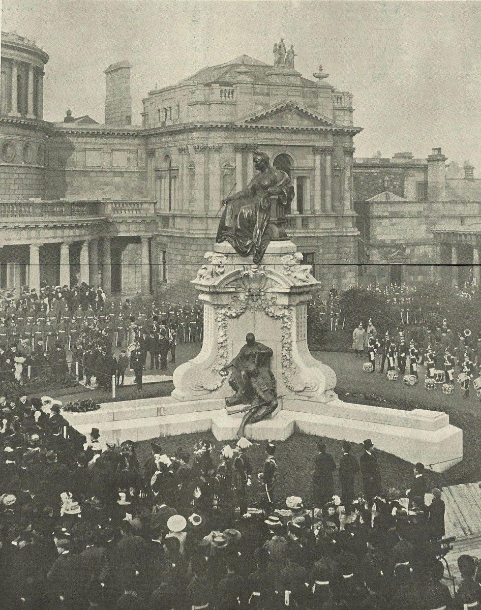Εικ. 3. Τα αποκαλυπτήρια του μνημείου έγιναν στις 15 Φεβρουαρίου του 1908. Η τελετή ολοκληρώθηκε με την παρέλαση 1.000 στρατιωτών.