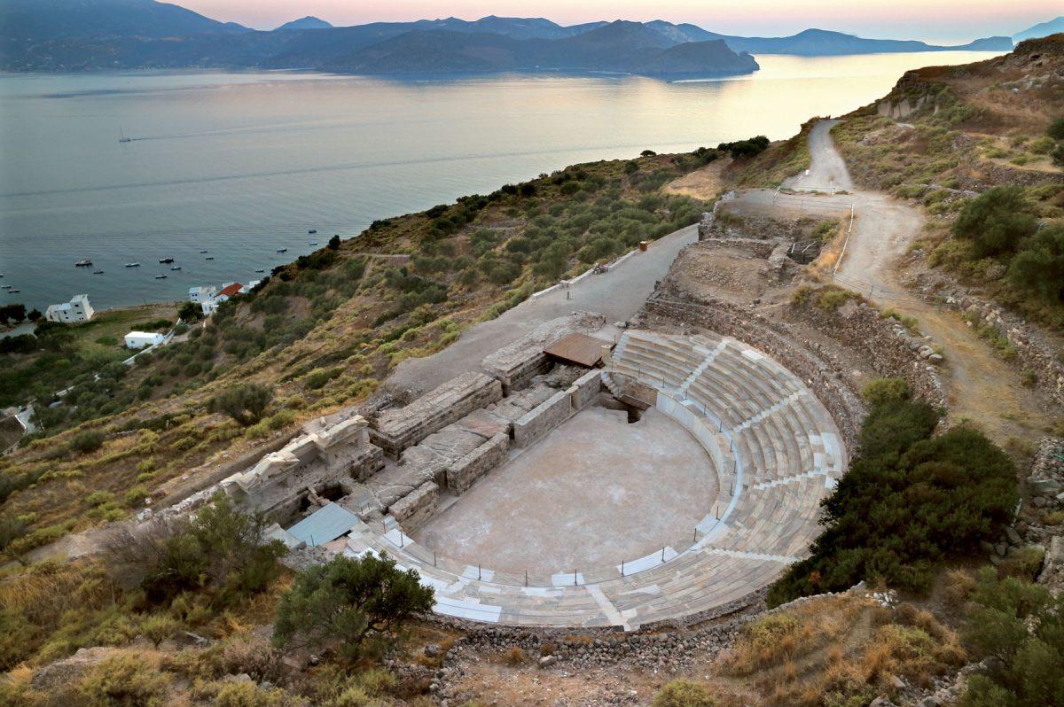 Το αρχαίο θέατρο Μήλου (φωτ. ΑΠΕ-ΜΠΕ).