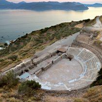 Αρχαίο θέατρο Μήλου: Ολοκληρώθηκαν οι εργασίες αποκατάστασης