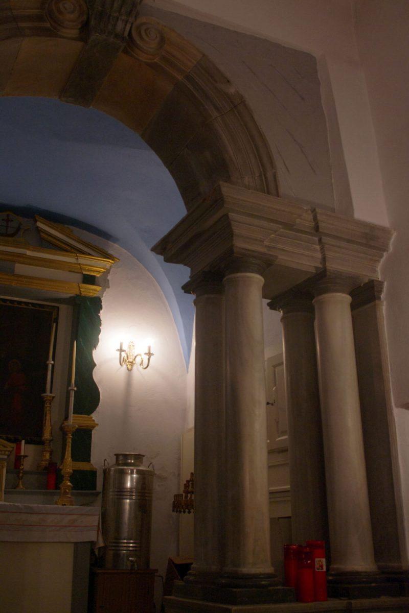 Εικ. 6. Χώρα Τήνου, μονή Αγίου Αντωνίου, παρεκκλήσιο, γενική άποψη (φωτογραφία Ιωάννης Λάσκος).