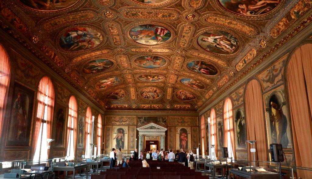 Άποψη του εσωτερικού της Μαρκιανής Βιβλιοθήκης της Βενετίας.