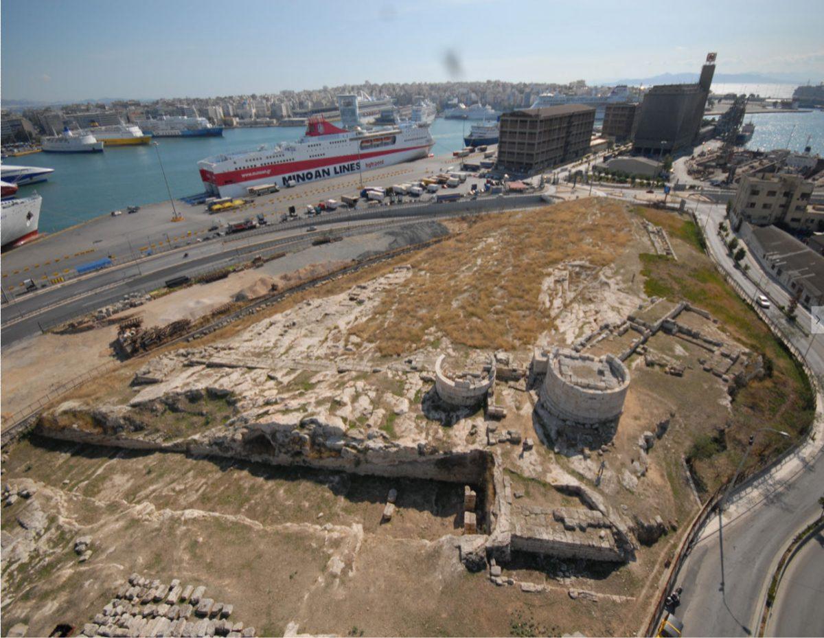 Ο αρχαιολογικός χώρος της Ηετιώνειας Πύλης στον Πειραιά (φωτ. ΑΠΕ-ΜΠΕ).