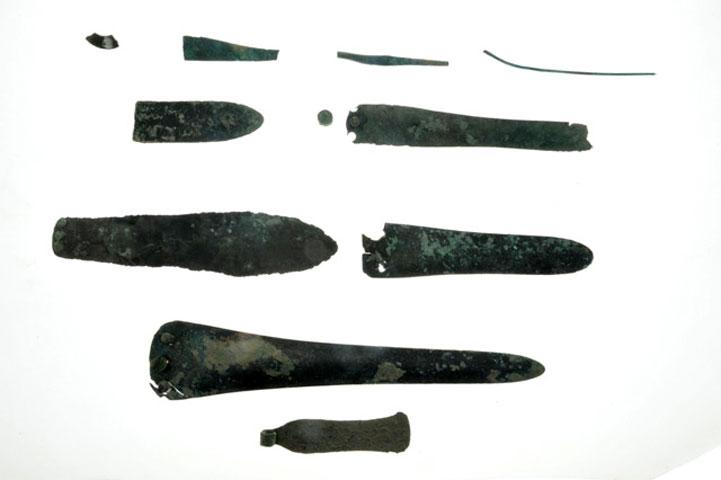 Χάλκινα ευρήματα από την ανασκαφή στη Ζώμινθο.