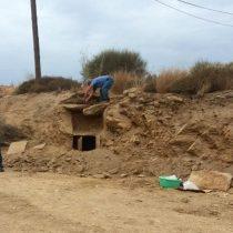 Tάφος με αγγεία του 5ου αι. π.Χ. αποκαλύφθηκε στην Ικαρία