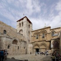 Έλληνες επιστήμονες άνοιξαν μετά από αιώνες τον Πανάγιο Τάφο