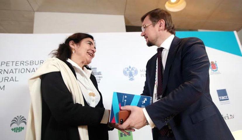 Από την επίσκεψη της υπουργού Πολιτισμού Λυδίας Κονιόρδου στη Ρωσία.