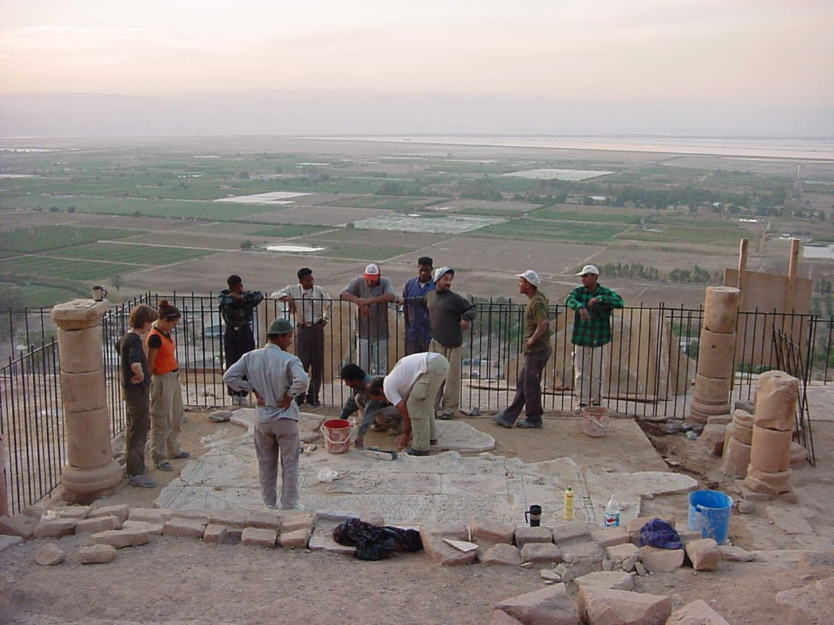 Εικ. 34. Ιορδανία. Μονή Αγίου Λωτ στη Νεκρά Θάλασσα. Συντήρηση ψηφιδωτών δαπέδων 6ου αι.