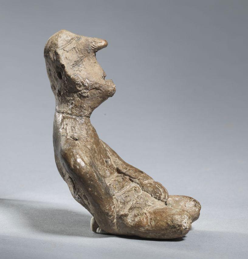 Ειδώλιο κυρτής μορφής. Αρχές Νεότερης Νεολιθικής Ι (5300-5100 π.Χ.). Λιμναίος οικισμός Δισπηλιού Καστοριάς.
